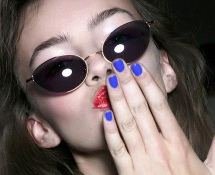 Niebieskie paznokcie wciąż na topie!